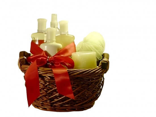 Why You Should Give Gift Baskets