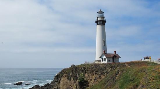 18f4ae2d7103856782348834_640_lighthouse