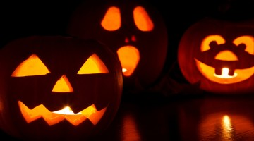 What is Extreme Halloween Pumpkin Carving?